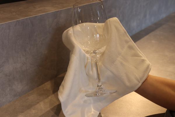 ワイングラスの磨き方2